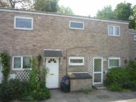 Flat in PRIORS MEAD, Enfield