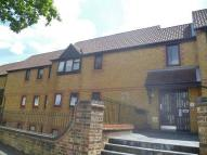 1 bedroom Flat in Greyhound Road, Sutton...