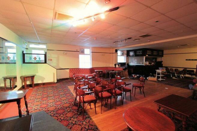 Upper bar/lounge