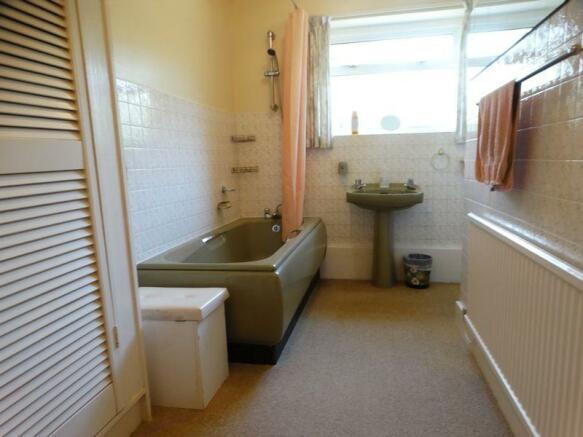 gr fl bathroom
