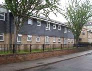 1 bed Studio flat in Beacon Hill, Chatham, ME5