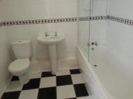 2 bed Apartment to rent in Cityview Highclere...