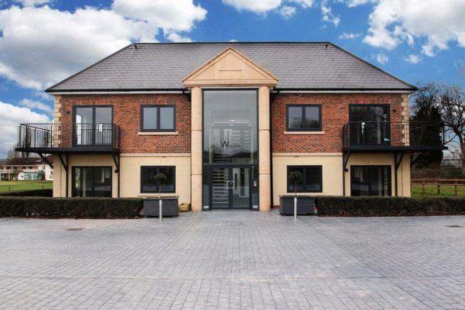 2 Bedroom Apartment For Sale In Woolston Manor Apartments Chigwell Ig7