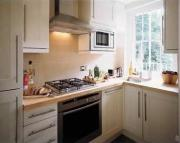 Flat to rent in North Hill, Highgate, N6