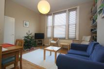 Flat to rent in Bishops Road, Highgate...