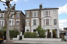 Flat to rent in Highlever Road...