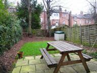 Flat to rent in Milton Avenue, Highgate...