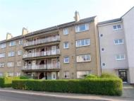 Flat to rent in Kirkoswald Road, Glasgow...