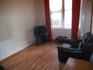 Flat to rent in Newlands Road, Glasgow...