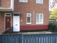 Flat to rent in Aldrington Road, London...