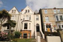 2 bedroom Flat to rent in Lewin Road, London, SW16