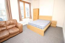 A Renmuir Street Flat to rent