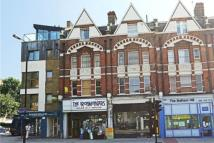 3 bed Flat to rent in Balham Hill, London, SW12