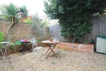 2 bed Flat in Waldegrave Road, London...