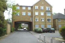 2 bedroom Flat in Arborfield Close, London...