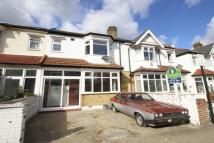 4 bed semi detached house to rent in Avoca Road, London, SW17