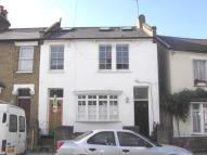 Flat to rent in Graveney Road, London...
