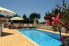 Lagoa Detached Villa for sale