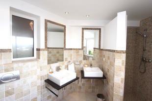 3 Bedroom Villa Ferragudo Bathroom ground floor