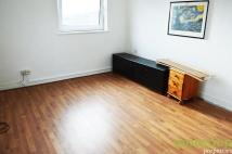 3 bed Flat in 2/3 BEDROOM FLAT...