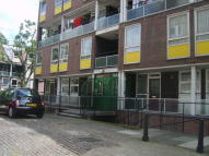 Ground Flat to rent in 3/4 BEDROOM, CAMDEN, NW1