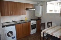 3 bed Flat in 2/3 BEDROOM FULLY...