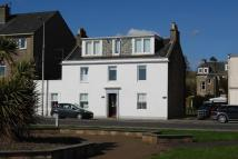 2 bed Ground Flat in East Clyde Street...