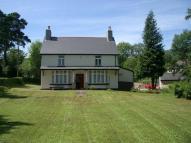 4 bed Detached property in Tynewydd...