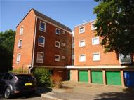 2 bedroom Flat in Hasler Road...