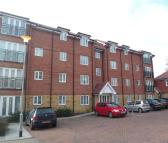 Apartment to rent in Turnford
