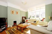 4 bed house in Queensville Road Balham...