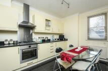 2 bedroom Apartment in Ramsden Road London SW12
