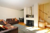 2 bed house in Huron Road Balham SW17