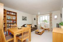 Flat to rent in Rosethorn Close Balham...