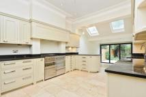 4 bed Apartment to rent in Cavendish Road London...