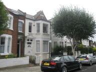 Flat in Bellamy Street Balham...
