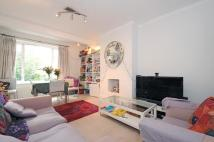 2 bedroom Flat in West Road Clapham SW4