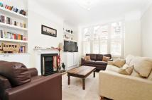 2 bed Flat in Lavender Gardens...