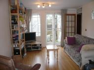 1 bed property in Kennett Close Battersea...