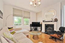 Apartment to rent in Dents Road Battersea SW11