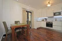 Apartment to rent in Elspeth Road Battersea...