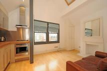 Apartment to rent in Battersea Rise Battersea...