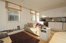 Flat to rent in Battersea High Street...