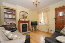 2 bed property in Kent Road West Wickham...