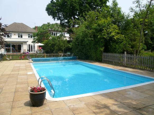 5 bedroom house to rent in scotts avenue bromley br2 br2 for Houses to rent with swimming pool uk