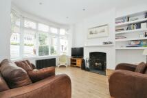 3 bedroom property to rent in Balgowan Road Beckenham...