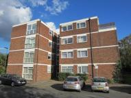 2 bed Apartment in Ingleside Close Park...