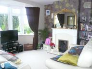 2 bed home in Magpie Hall Lane Bromley...
