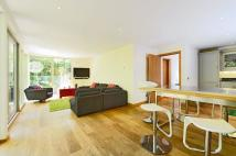 2 bedroom Apartment to rent in Elmstead Lane...