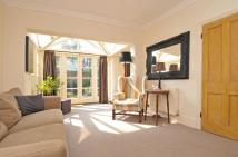 2 bed Flat in Edenvale Street Fulham...